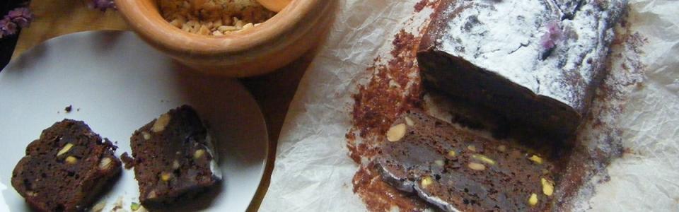 Brownie de harina integral, pistachos y cayena