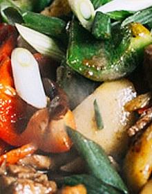 Salteado de pollo thai a la chapa